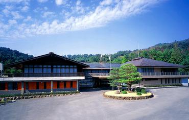 【ゴルフ場でのキャディ】≪岡山市街地、岡山駅から一番近いゴルフ場≫ゴルフに興味のある方、知識がなくても大丈夫!ゴルフの基本からお教えします☆