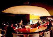 広々していて開放的な店内◆間接照明が高級感たっぷりの店内を創り出します…*+°東京駅・銀座駅からスグのお店で通勤も楽々♪