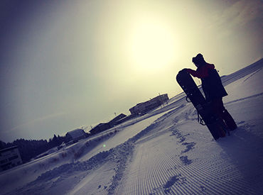 【スキーインストラクター】関西最大級のスキー場!!小学生や中学生のスキー合宿♪一緒に楽しみながら働きませんか?資格がなくても滑れれば大丈夫です☆