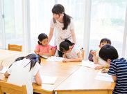 子どもたちの笑顔に癒される♪スタッフ同士助け合いながら働ける環境◎わからないことは何でも聞いてください!※画像はイメージ