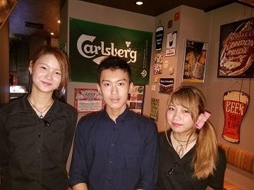 【ホール】☆燻製&チーズDining akabane fumo☆カウンターバーでお客様との距離の近い雰囲気の店です!オシャレ店舗で働きませんか!