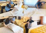 まずはシーツを広げて、ピシッと伸ばします◎ ふわっと布団をかぶせて、最後に枕をポンっと置くだけ♪ 誰でもスグに慣れますよ!