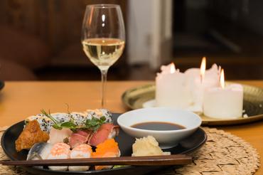 【和酒バーSTAFF】\オープニングSTAFF大募集/全国各地の銘酒が勢揃い!こだわりの日本酒・焼酎を中心にぴったりの小料理を提供します!