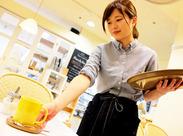 「212キッチンストア」プロデュースの話題のお店◎ 焼きたてパンケーキ、有機栽培のコーヒなど… イチから手作りの食事を提供★