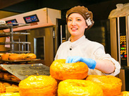 「昔ケーキ屋さんやパン屋さんに憧れてた」「パンづくりを趣味にしたいな」そんな理由で応募するスタッフも多いんです♪