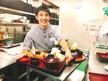 ★和食・焼肉・回転寿司の複合施設★ 飲食未経験・バイトデビューさんも大歓迎です(人´∀`) 元気で明るい仲間が待っています♪