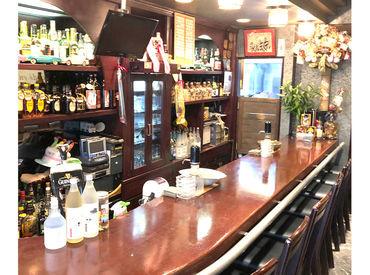 【会員制のお洒落Bar♪】 レトロな雰囲気で、落ち着きのある店内◎ お客様は常連さんばかりなので、スッと馴染める環境です!