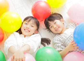 都合のいい時間帯で働けるのはウレシイです(●´3`●)ノ かわいい子どもたちと触れ合える楽しい職場♪♪ ※写真はイメージ