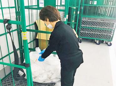 ごみ袋が正しい場所に捨てられているか確認したり 「こちらに置いてくださいね」と誘導したり◎ スグに慣れるお仕事です♪