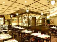 ベルギービール専門の人気ビアレストラン! 海外からのお客さまも多く、英語を活かせます◎ もちろんできなくても大丈夫♪