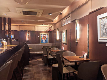 〈 日本橋の落ち着いた空間 〉 店内はホテルのBarのような、 落ち着いた雰囲気になっております* 丁寧に接客ができる環境です!