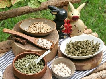 """長野県の""""ウーリー農園""""で土作りから収穫まで 自社管理したきれいな牧草を使用♪ うさぎ好きさんの間で人気の商品を作ってます!"""