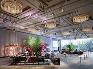 華やかな雰囲気の中で、働いてみませんか?主な勤務地は、ホテルニューオータニや帝国ホテルなど、キレイな場所ばかり♪
