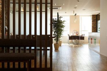 オープンハウスのグループ企業なので、安心・安定して働けます。 オフィスは快適な環境なので、 お仕事もはかどります!