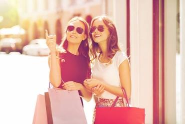 【ショップSTAFF】『ファッション・おしゃれ大好き‼』『アパレルバイトが憧れ!!』『人と話すのが好き!!』→そんな方にオススメ♪