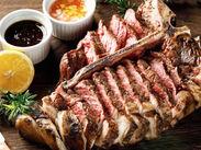 おすすめは最高品質の≪Tボーンステーキ≫まるで海外にきたような雰囲気を味わえるはずです◎オープンに向けて採用率UP中★