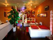 本厚木駅から徒歩2分の隠れ家レストラン♪広~いソファーにひとつひとつがオシャレな内装♪こんなイイトコ他にありますか?!