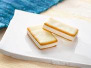 やわらかな口どけの和菓子を薄く焼き上げたラングドシャクッキーで繊細に重ねた「みとわ」★上品な味わいでご贈答にも好評です♪