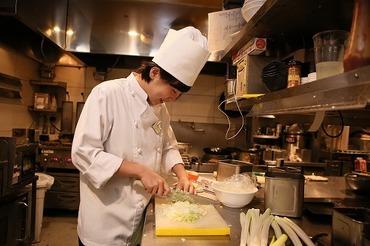 【キッチンSTAFF】◆*:。  新規Staff大募集  。:*◆週1日・1日4h~OKで働きやすさ抜群!平日ランチタイム働ける方積極採用中♪