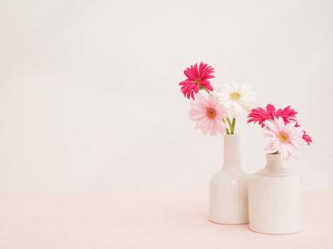 お花を機械に入れて…結束されたお花を袋にストンと入れるダケ♪カンタンそうでしょ(*'▽'*)??※画像はイメージ