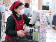 精肉・野菜・お漬物は国産にこだわっています!お仕事帰りに買い物もできて、とっても便利♪