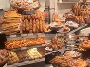パンが大好きで、明るく笑顔で対応ができる方を歓迎しております★ 私でもできるかな・・・?そんなあなたもまずはご応募♪