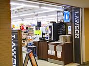 施設内には色んなお店がたくさんあるので、お仕事前や終わりにショッピングも楽しめちゃいます★