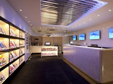 【インターネットカフェスタッフ】〓■池袋駅スグ!■〓女性にも人気のシックで大人な雰囲気のお店24時間営業なので『アナタスタイルで働けます!』