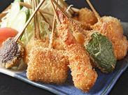 串揚げとおでんを中心とした和食料理店で、みるみる料理スキルが高まります。1店舗で複数の調理技術を習得できますよ。