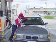 お客様は会社員、OLやドライバーが多く、給油カード支払いの方ばかりで現金扱いがないのも特徴です♪
