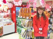 """「なんやこれ!」と言ってしまうような """"大阪の笑い""""が詰め込まれた商品たち★ 服装は、私服の上からジャンパーをはおればOK!!"""
