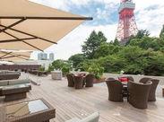 東京タワーを間近に望むレストランあり★お客様のご案内やお料理のご提供などをお任せします♪未経験者さんも大歓迎!!