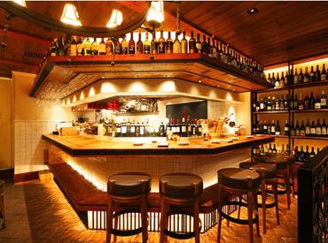 """【ホール】■□緑溢れるオープンテラスが人気の""""Vomero""""木の優しさとイタリア製小物が可愛い店内◎まかないアリ★まずはお試し短期OK"""