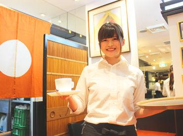 幅広い層のSTAFFが活躍中★ブランクが気になる方、カフェで働いてみたい方…温かい職場なので安心して応募してくださいね♪