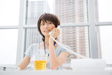 【コールセンターstaff】\スグ稼ぎたい&スグ働きたい方必見/◆日払い/週払いもOK◆面倒な履歴書不要◆服/髪/ネイルなど全て自由!