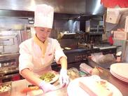 野菜を切ったり、カンタンな調理をしたりetc...お仕事はとってもシンプル♪料理初心者もできるまでしっかり教えます★