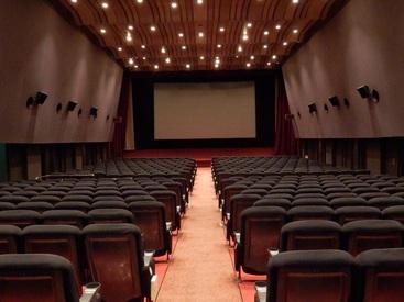 【映画館スタッフ】★東劇のスタッフ大募集★『演劇が好きだから!』⇒最初はそんな気持ちからで大丈夫!映画の最後のCASTはあなたです♪
