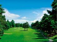 週2~勤務OK!ゴルフ未経験でも大丈夫♪ 土日に入れる方、大歓迎◎ 仕事もゴルフも楽しめる環境です♪