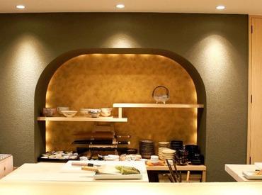 【ホール】。●和食を楽しむ銀座の隠れ家●。履歴書は要りません!!まずは気さくな店主と会ってみて下さい♪~絶品まかないあり★~