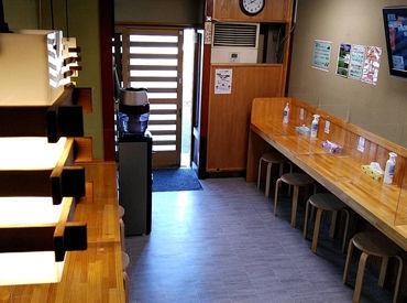 調理はトッピングをのせる程度のお手伝いだけ♪ 基本的なラーメン店のホール業務をお任せします*