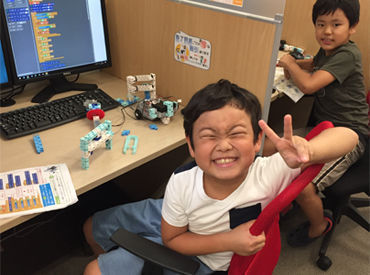 小~中学生の子ども達へのプログラミング指導から、大人たちへのPC操作指導まで♪ 働きながら自分も一緒に学べます◎!!