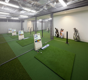 【ゴルフスクール受付STAFF】◯● 大学生歓迎!NEW STAFF大募集 ●◯施設・設備の利用が<無料>!シフト自由♪\女性活躍中の職場です/ゴルフ好き必見!