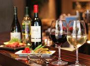 トマト、オリーブ、チーズ、ワインなどイタリアから直輸入した食材がたくさん★素敵な食材に囲まれてワクワク働きませんか?