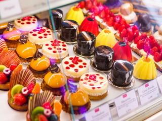 【販売】★神戸発祥の洋菓子店♪ティータイムにピッタリの焼き菓子や、生ケーキ・季節限定の新作ケーキなどの販売をお願いします♪★