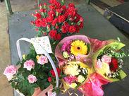 ▼お花好き必見♪ お花の加工業の会社なので、 季節ごとの色とりどりのお花を見たり、 社割でお得に買うこともできます★