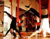 世界的に大人気のフィットネスヨガ「アンティグラビティ」★ スタッフ特典でこちらも0円で使えます!! ダンス経験者は採用率UP!!