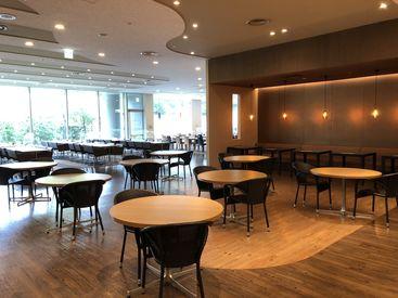 ◆KDX豊洲グランスクエア◆ 1Fにはオシャレなカフェ、レストランがあります♪ ランチメニューも豊富です! ビル設備も充実◎