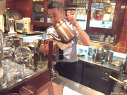 銀座の中心地に佇む純喫茶で働く♪ 常連さんと会話が弾むことも☆慣れてきたらコーヒーの淹れ方も学べますよ+。☆