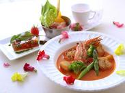 見た目もお洒落な料理がたくさん♪ たくさんのお客様に素敵なひとときを過ごしてもらおう◎