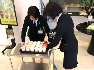 ・お客様を待合室やお見送りに誘導 ・待合室で献茶サービス お仕事はコレだけ★難しい作業ゼロ 休み希望もしっかり考慮します◎